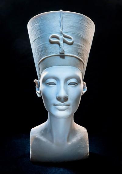 3D-printed bust of Nefertiti.